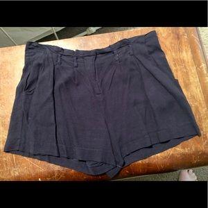 Black boutique shorts large Ya brand
